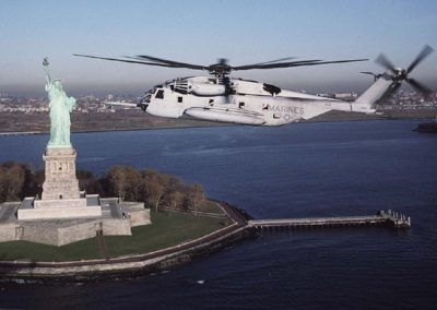 o2. CH-53D by Statue of Liberty 2