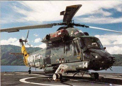 HSL-31DetB-SHAKA14_flight_deck_USNA_Chauvenet_Indonesia_1987