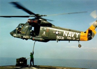 HSL-31DetB-SHAKA14_hooking_up_a_load_Indonesia_1987